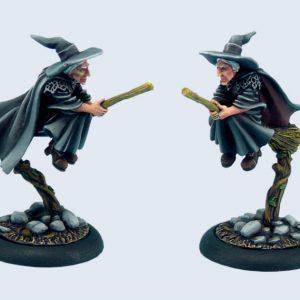Micro Art Studio   Discworld Miniatures Discworld Esme on broom (1) - D02800 - 5900232352296