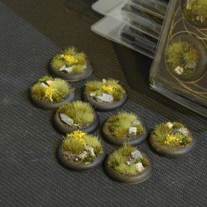 Gamers Grass   Battle-ready Highland Bases Highland RoundLip 30mm (x8) - GGB-HLRL30 - 738956788535